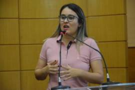 Kitty Lima critica aposentadorias do governador